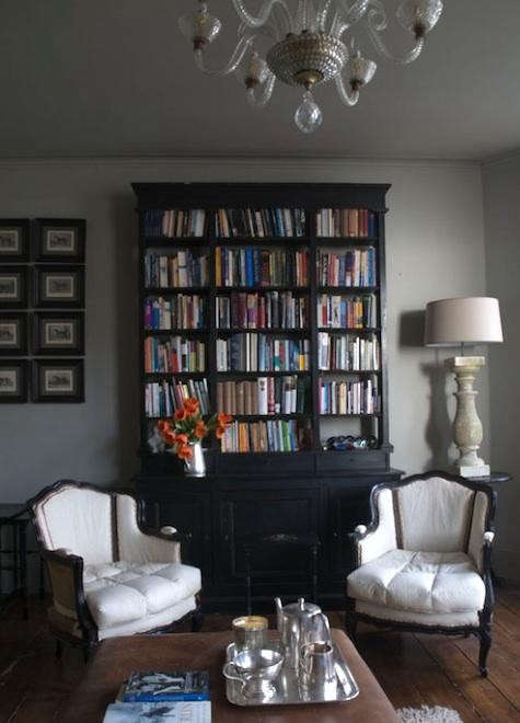 alex-macarthur-bookshelf