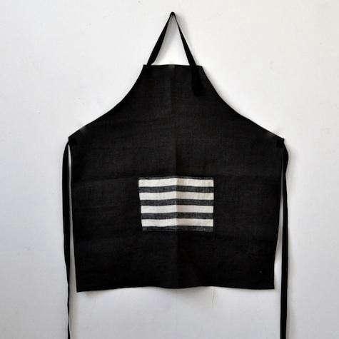 black-apron-striped-pocket