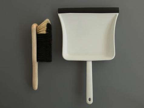 labour-wait-dustpan-brush
