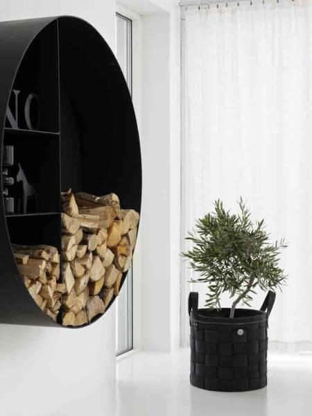 skona-hem-hanging-wood-holder