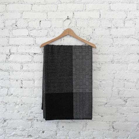 black-hatch-mark-blanket