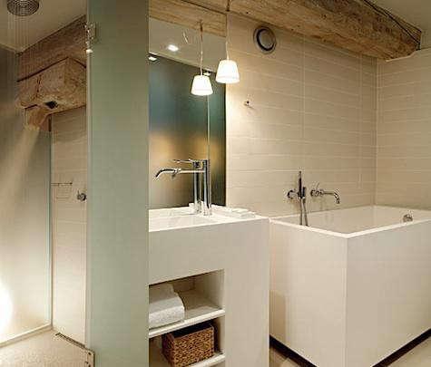 danish-hotel-bath