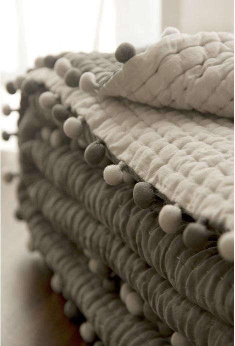 gray-silk-quilt