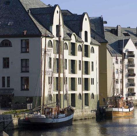 hotel-brosundet-water-view