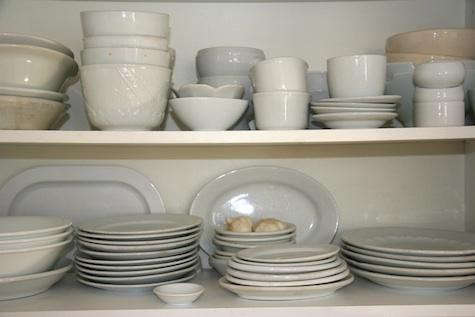 pilo-white-dishes