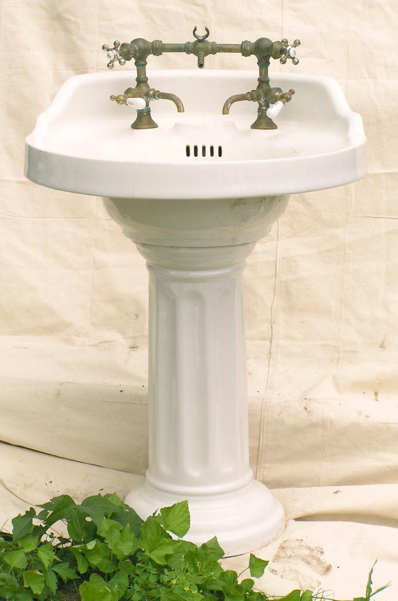 Vintage Pedestal Sinks Remodelista