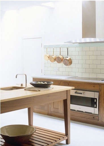 williamsburg-kitchen-with-built-in-oven