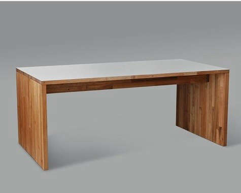 wood-table-at-design-public
