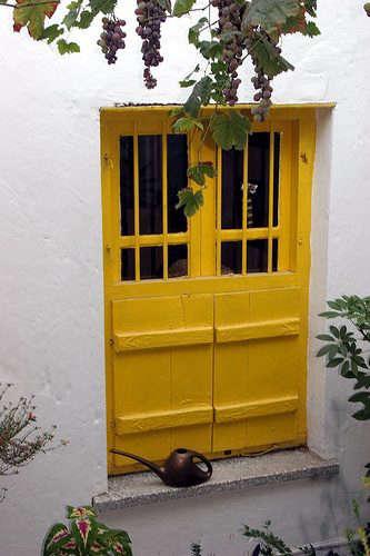 yellow-door-france