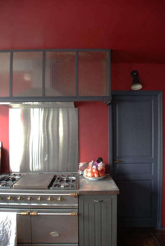 marianne-evanou-color-block-kitchen