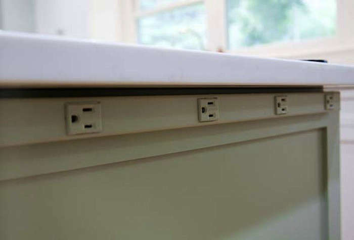Above Don T Have Upper Cabinets Multi Outlet Strips Can Be Places