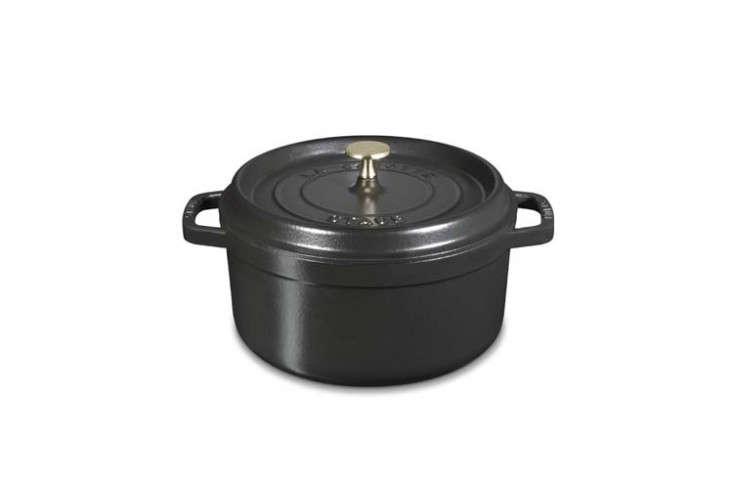 staub-cast-iron-round-cocotte-remodelista