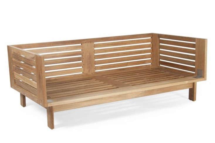 two-seater-teak-sofa-outdoor-furniture-gardenista-733x488