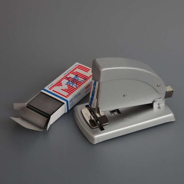 zenith-stapler-labour-and-wait-Remodelista_grande