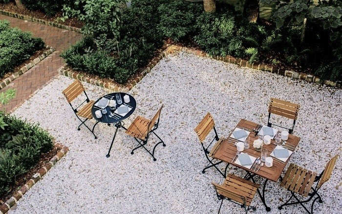 700-Oyster-Shell-patio-Zero-George-Hotel