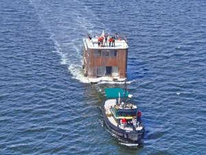 Fredericks & Mae houseboat, Hudson River; Remodelista