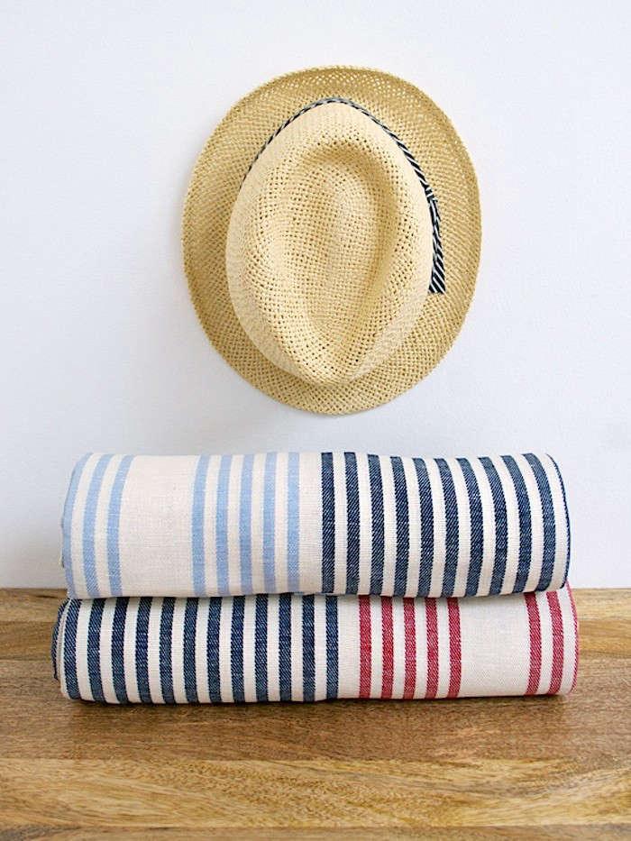 New-Domestic-Stripe-Picnic-Blanket-Stack