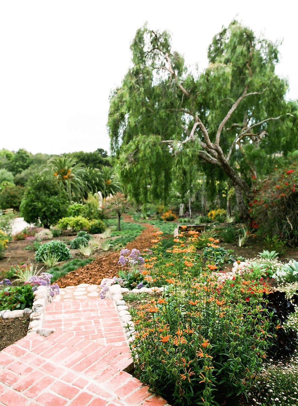 2-malibu-garden-matthew-brown-brick-path-walkway-gardenista