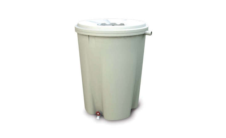 55-gallon-rain-barrel-gardenista