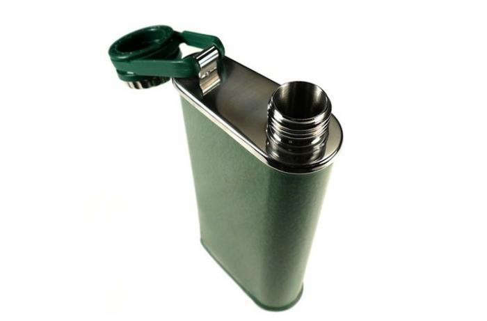 700_classic-stanley-flask-green