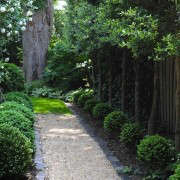 700_cropped-decomposed-granite-path-side-yard-1