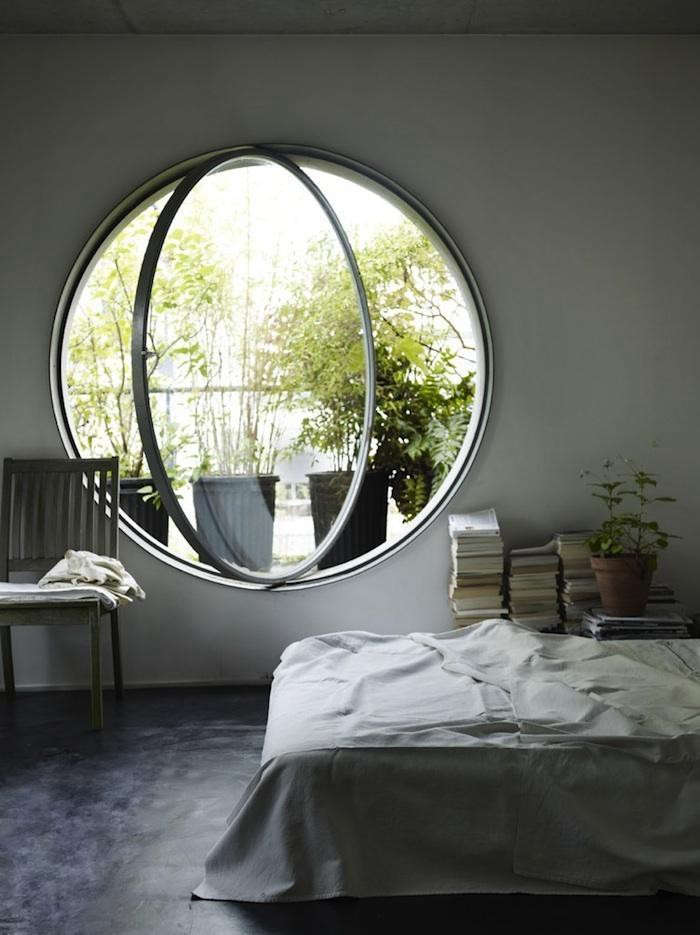 700_round-window-10-plants