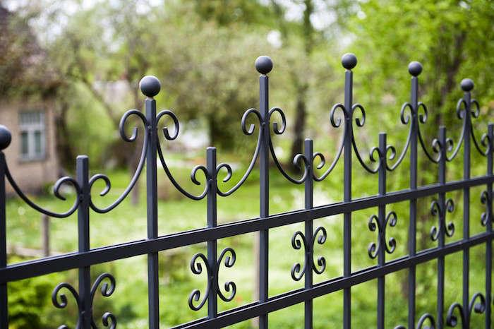 Aluminum-Fence-Wrought-Iron-Look-via-Hercules-Fence-Gardensita