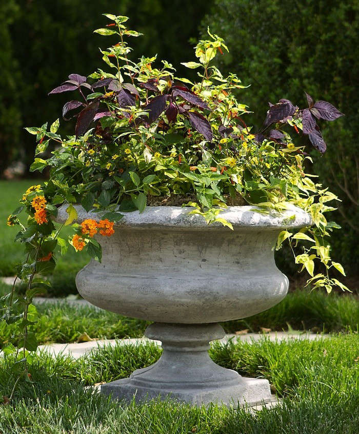 Landscaping With Urns : Easy pieces garden urns gardenista