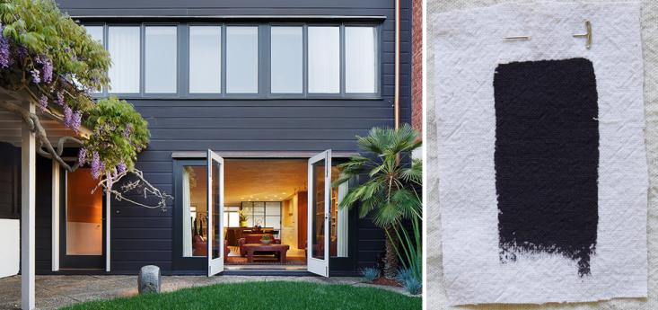 best exterior black house paint colors benjamin moore carbon copy gardenista