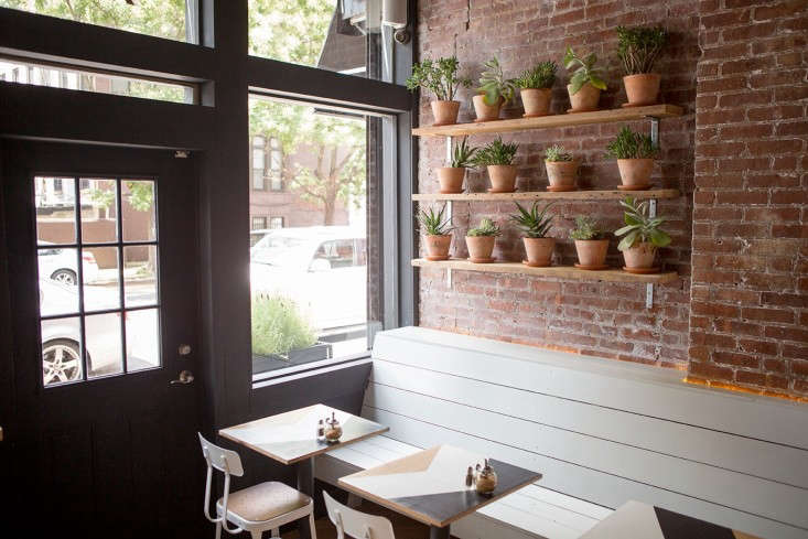 Brunswick-cafe-Bed-Stuy-Brooklyn13-Gardenista