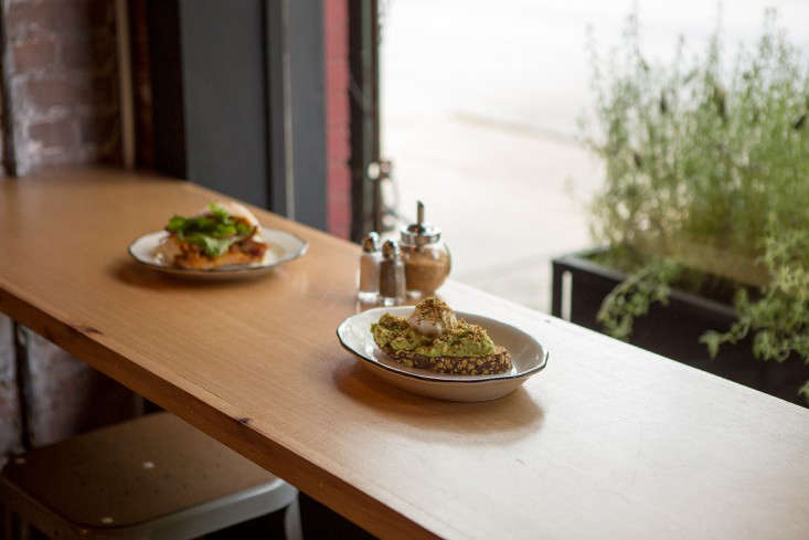 Brunswick-cafe-Bed-Stuy-Brooklyn6-Gardenista