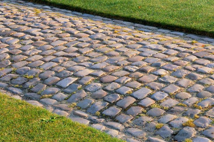 Bury-Court-paving