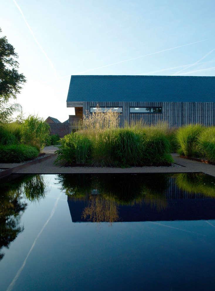 Bury-Court-reflecting-pool-hut