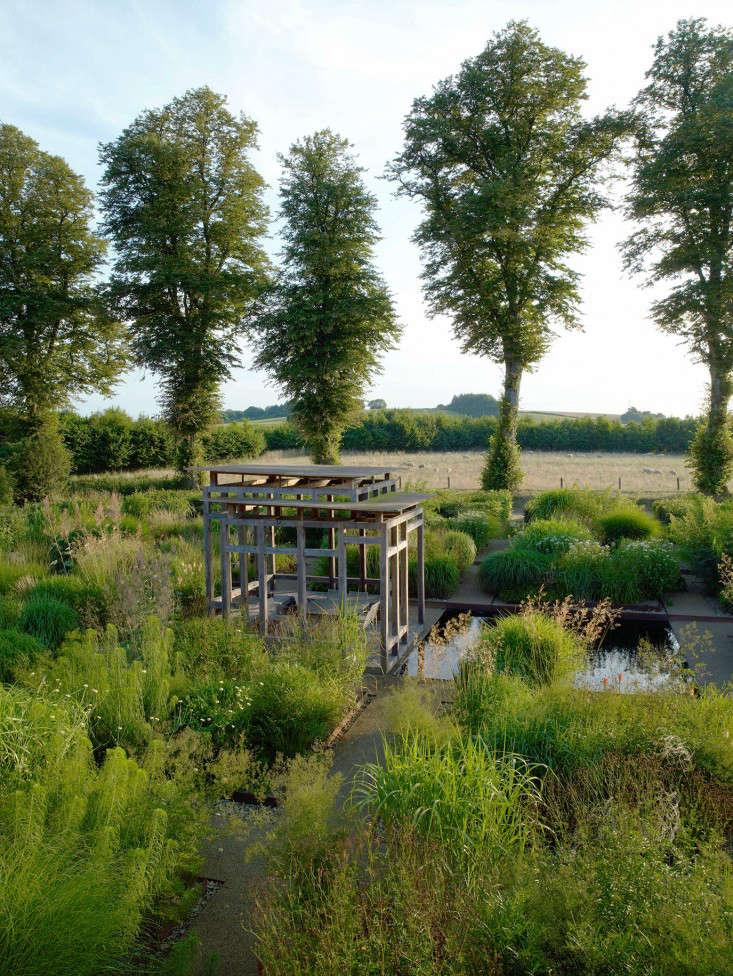 Bury-Court-reflecting-pool-trees