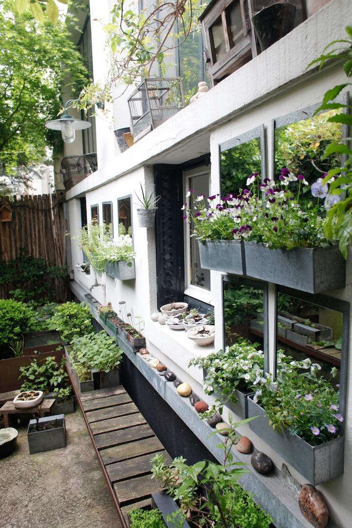 In The Garden And Atelier With C 233 Cile Daladier In Paris