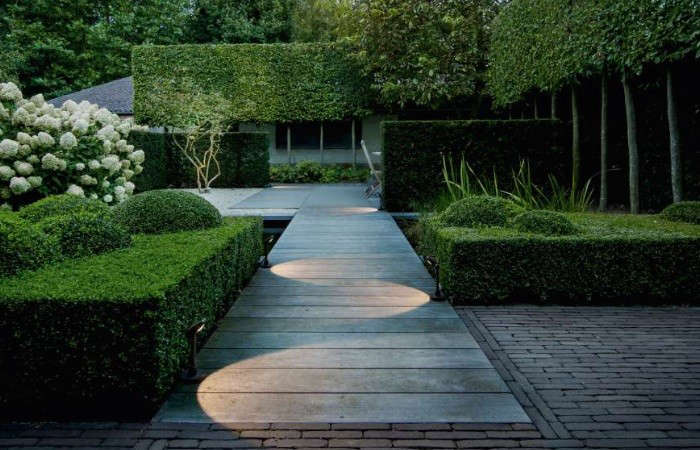 Hardscaping 101 Pathway Lighting Gardenista