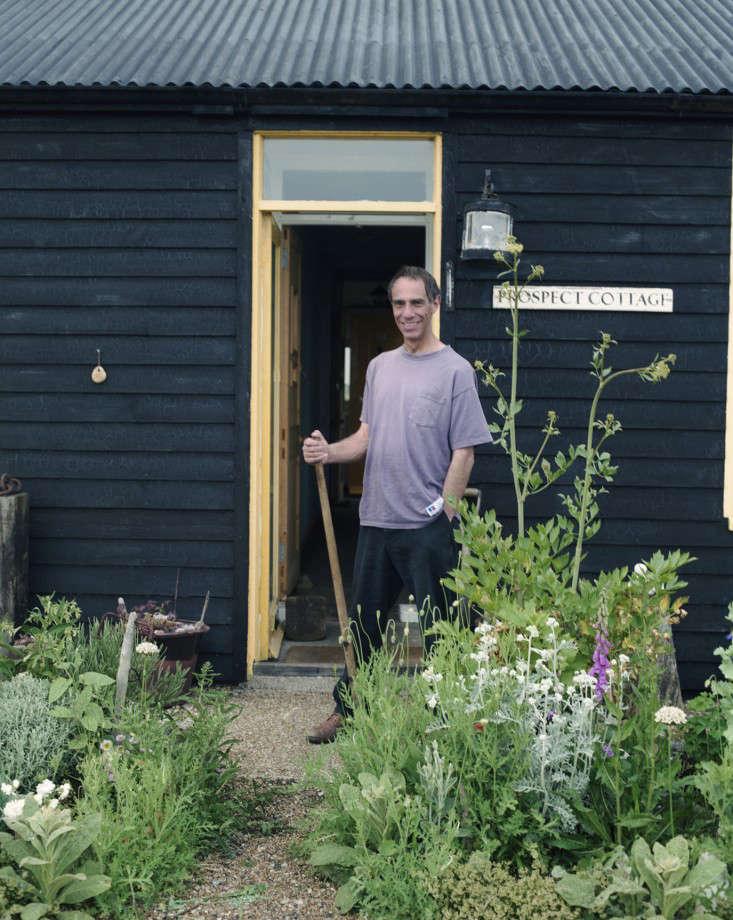 Derek-Jarman-garden-by-Howard-Sooley-5