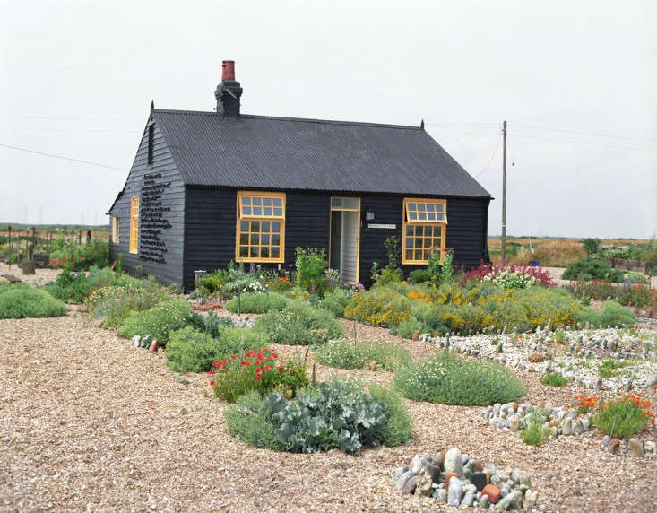Garden Visit Derek Jarman S Prospect Cottage At Dungeness