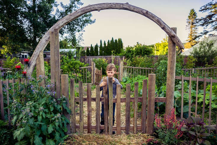 Edible-garden-britton-shepard-gardenista-considered-design-awards-2