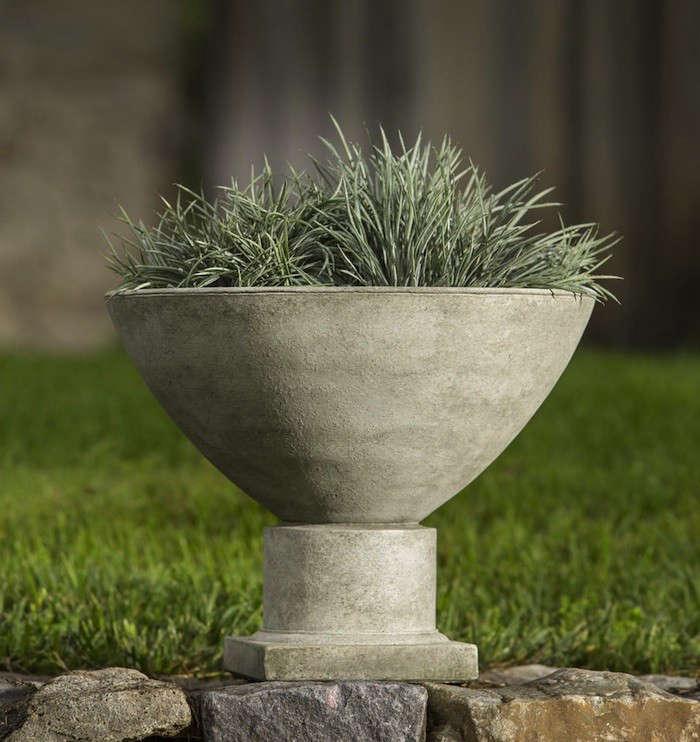 10 Easy Pieces Garden Urns Gardenista, Garden Urns Planters