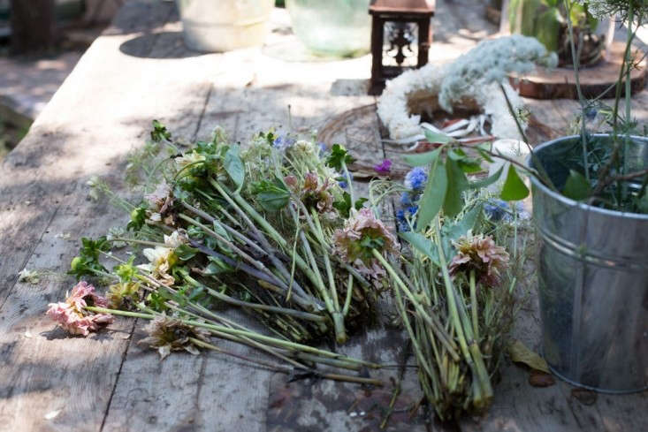 Gang-and-the-Wool-dead-flowers-gardenista