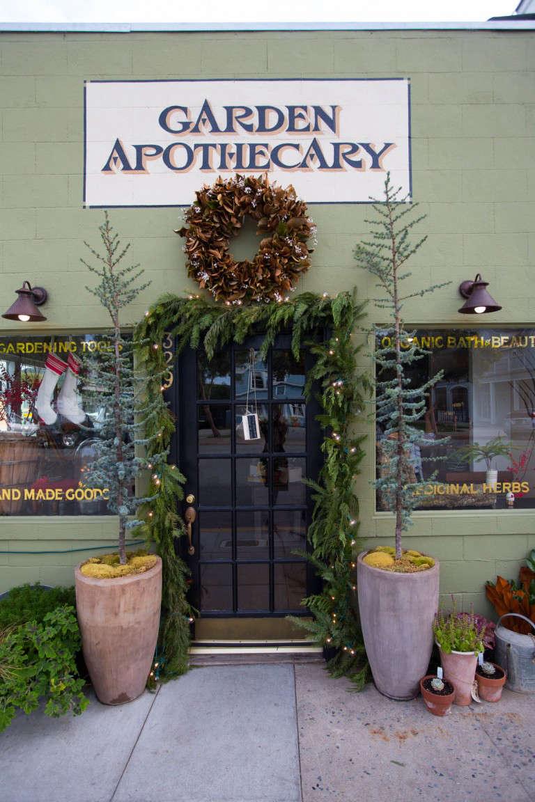 Garden-Apothecary-shop-half-moon-bay-gardenista-025