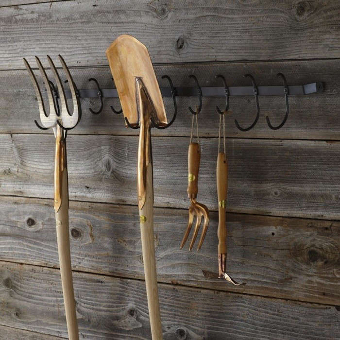 Garden-Tool-Rack-Williams-Sonoma-Gardenista