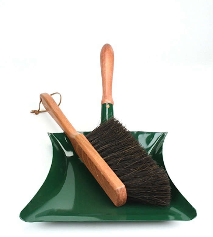 Garden-dustpan-brush-brook-farm-general-store-gardenista
