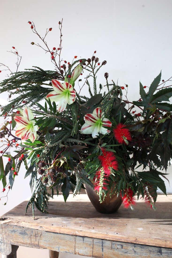 Diy A Wild And Foraged Christmas Bouquet Gardenista