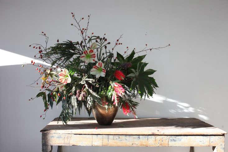 GardenistaHolidayArrangement_Final-Sophia-Moreno-Bunge