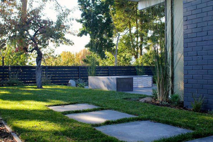 Growsgreen-Eichler-Landscape-Remodel-Gardenista-5