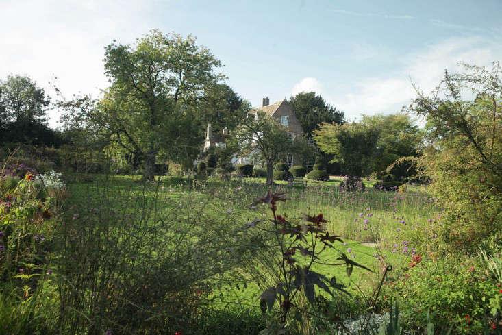 Hemingford-manor-from-river