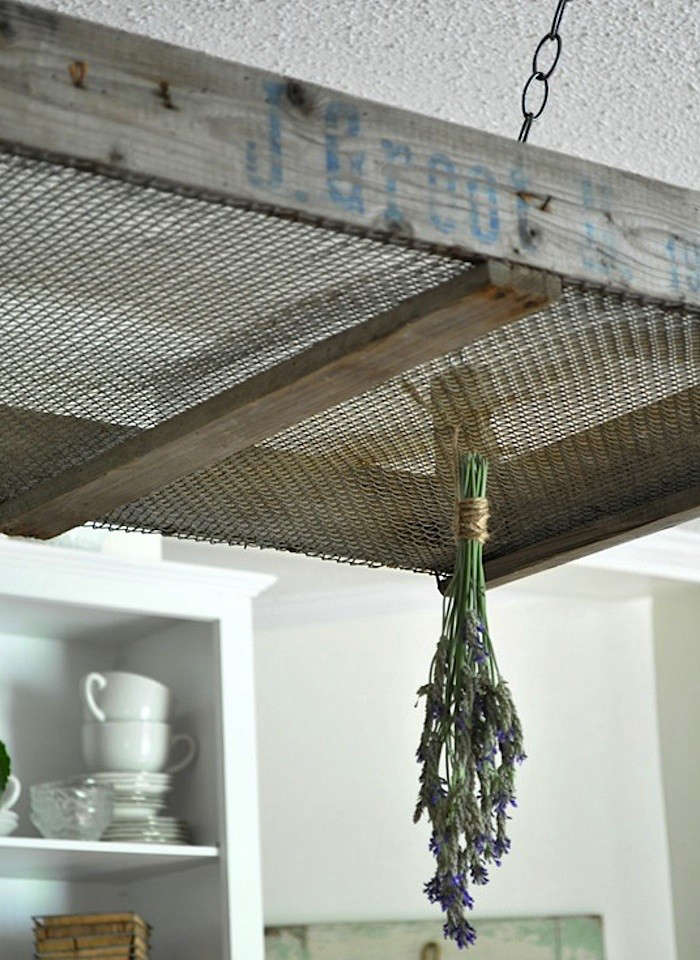 Herb-Drying-Rack-Vintage-Crate-Gardenista