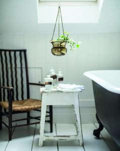 Isabelle Palmer, The House Gardener, Hanging Plant in Bathroom | Gardenista